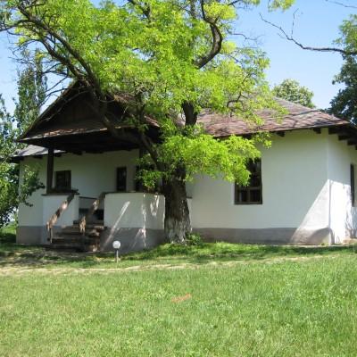 casa_memoriala_mihai_eminescu_din_ipotesti